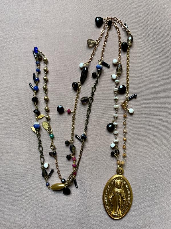 collana con medaglietta
